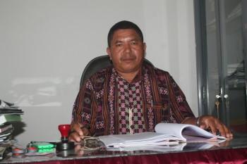 kepala sekolah SMA Negeri 1 Fatuleu