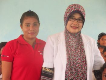 dr. Ike Setiawati, S.Ked; dokter Puskesmas Sonraen