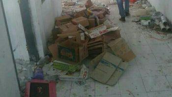 Sampah yang berserakan disalah satu sudut RSUD Naibonat