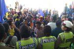 Aksi mahasiswa dari berbagai oranisasi, senin (31/10) di depan Gedung DPRD Provinsi NTT